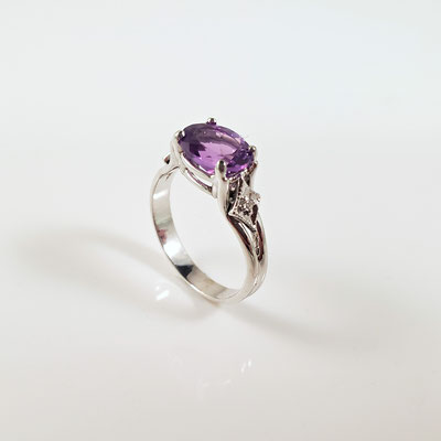 White Gold Amethyst Ring